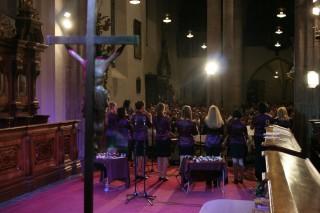 Nezmaři a Třeboňští pištci hrají v kostele