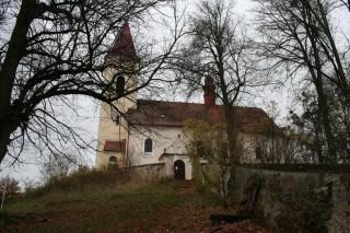 Kostel Lutová - cesta od fary