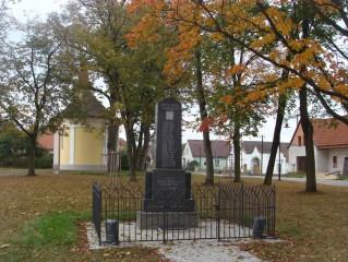 Pomník věnovaný padlým v letech 1914 - 1918