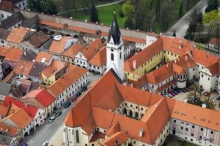 Třeboň - kostel Panny Marie Královny a sv. Jiljí