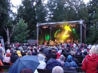 Koncerty v zámeckém parku