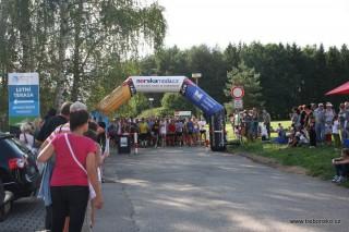 15:15: start běhu kolem Světa