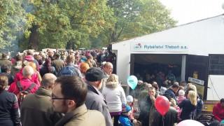 Hráz rybníka Rožmerk v sobotu 10. října