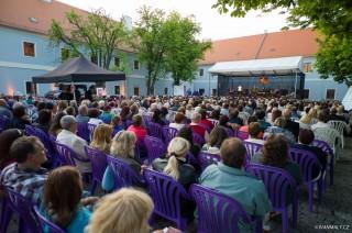 Třeboňská nocturna - koncert na nádvoří Městského úřadu