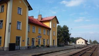 Vlaková stanice Třeboň provozuje u půjčovnu kol