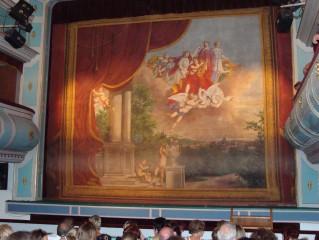 Opona v Divadle J. K. Tyla v Třeboni