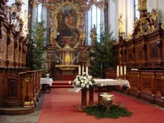 Kostel P. Marie Královny a sv. Jiljí o vánocích
