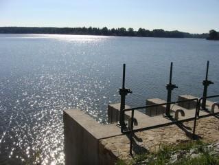 Spolský rybník má rozlohu 124 ha