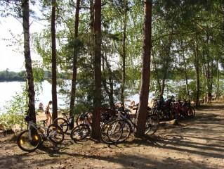 Cyklisté u pískoven