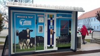 Mléčný prodejní automat v Třeboni