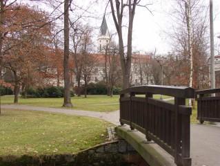 Komenského sady, most přes stoku