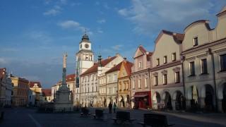 Masarykovo náměstí - místo večerního promítání trháků