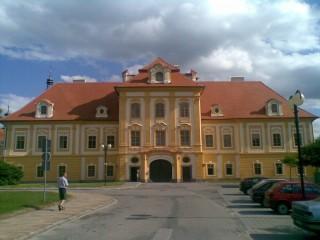 Borovany, klášter a zámek