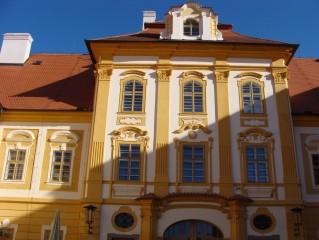 Borovany - klášter a zámek