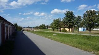 Začátek cyklostezky k Rožmberku v Třeboni u kruhového objezdu U sv. Trojice