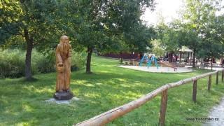 Dřevěný poustevník u Pergoly u sv. Víta