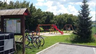 Dětské hřiště u slověnické hospody