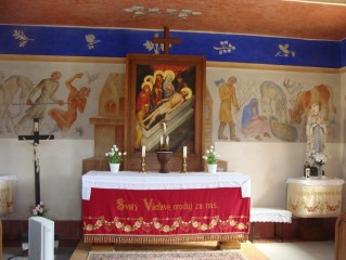 Interiér kaple v Domaníně