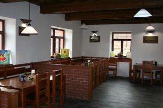 Pěšárna - Vinárna a Restaurace