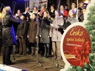 Česko zpívalo koledy