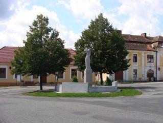 Pomník na náměstí