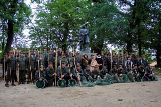 společné foto u sochy Jakuba Krčína