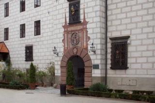 brána se znakem Rožmberků