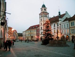 Pohled na svátečně naladěno Masarykovo náměstí