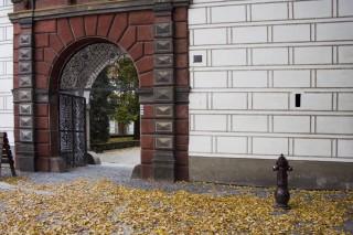 Třeboň - jedna ze zámeckých bran