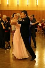 Tanečníci městského plesu