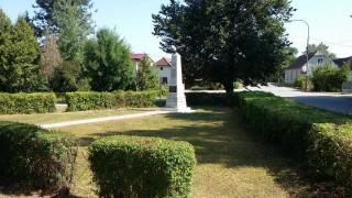 Pomník v Novosedlách