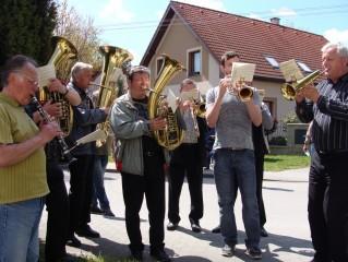 Třeboňská dvanáctka hudebně  doprovází i poutní mši
