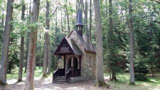 Evženovo údolí, kamenná kaple, Pecák