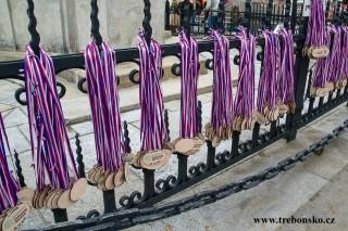 medaile u Mariánského sloupu jsou připraveny