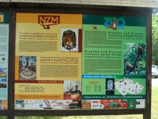 vedle Zoologické zahrady  stojí Lovecký zámek
