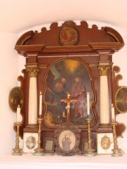 Oltář v třeboňské kapličce zasvěcené sv. Petru a Pavlovi