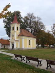 Kaple sv. Jana Nepomuckého na lužnické návsi