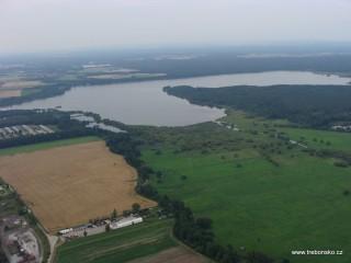 Rožmberk - největší český rybník (647 ha)